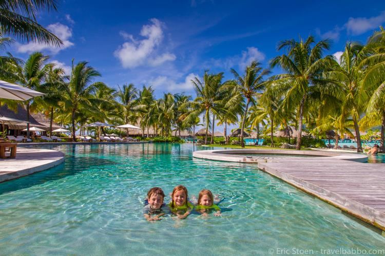 Bora Bora with kids - A very kid-friendly pool