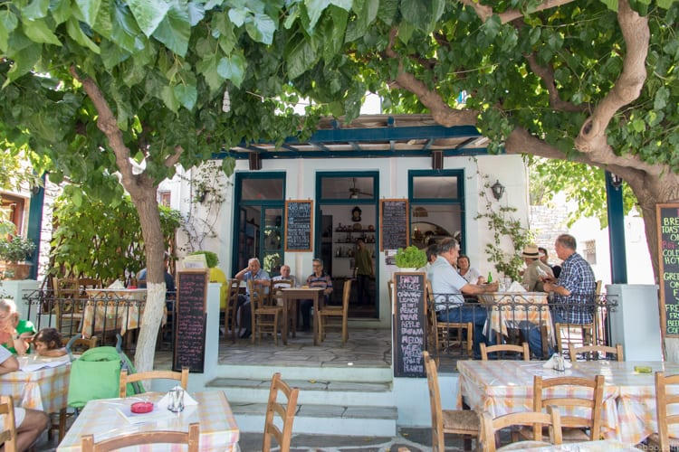 Greece with kids: Lunch in the village of Filoti