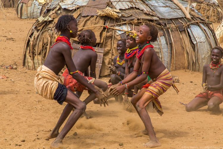 Ethiopia travel: Dancing in Omorate