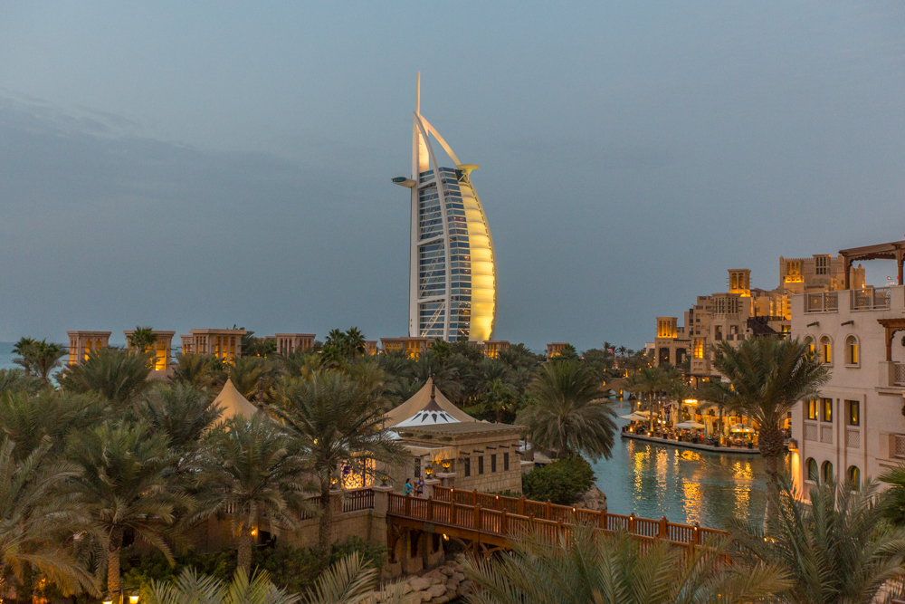 Five Reasons to Stop Over in Dubai