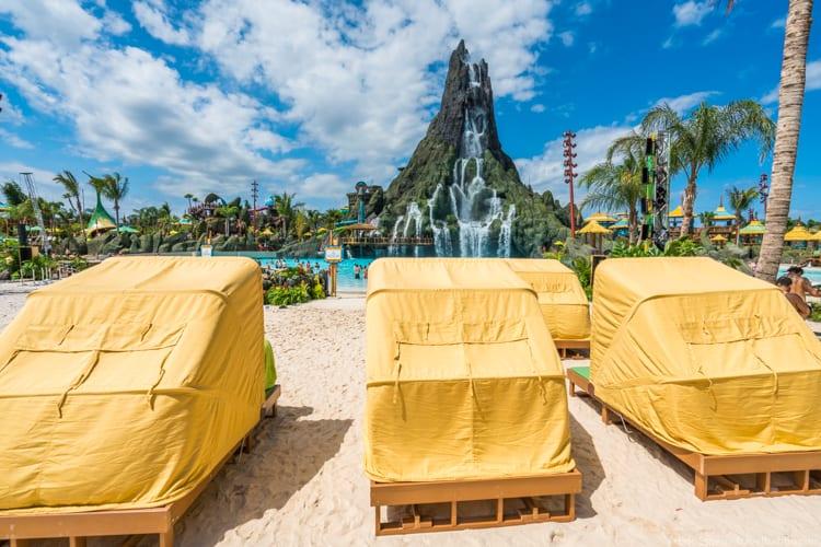 Volcano Bay: Shaded lounge chairs on Waturi Beach