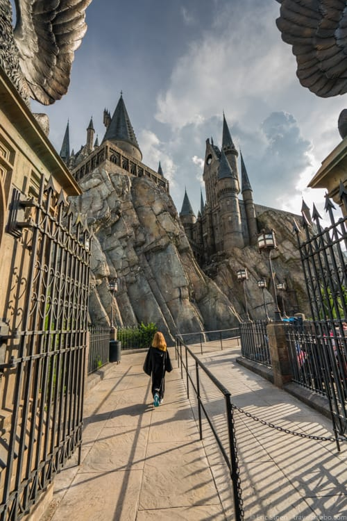 Universal Orlando Tips - Walking into Hogwarts on September 1
