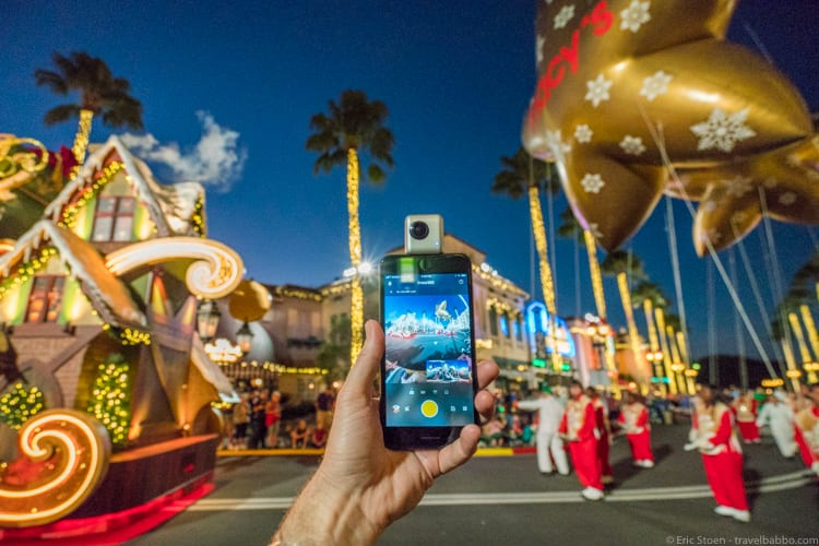 Holiday gifts: Photographing with the Insta360 Nano at Universal Orlando's holiday parade