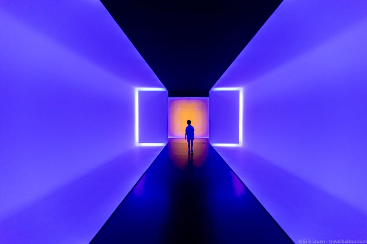 Houston with Kids - The MFAH light tunnel