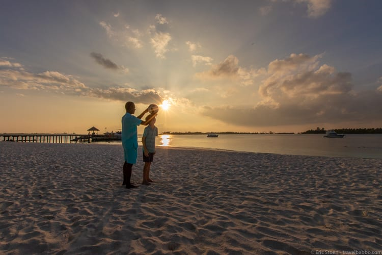 Maldives with kids - Learning new skills with Coco on the beach